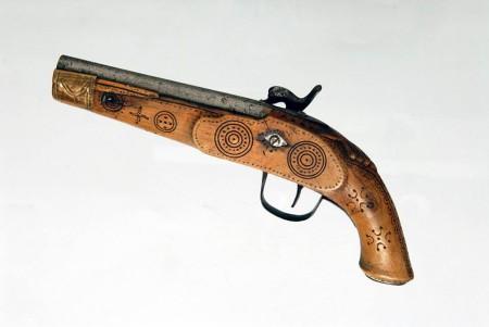 Pistolet huculski z Muzeum Etnograficznego w Krakowie.