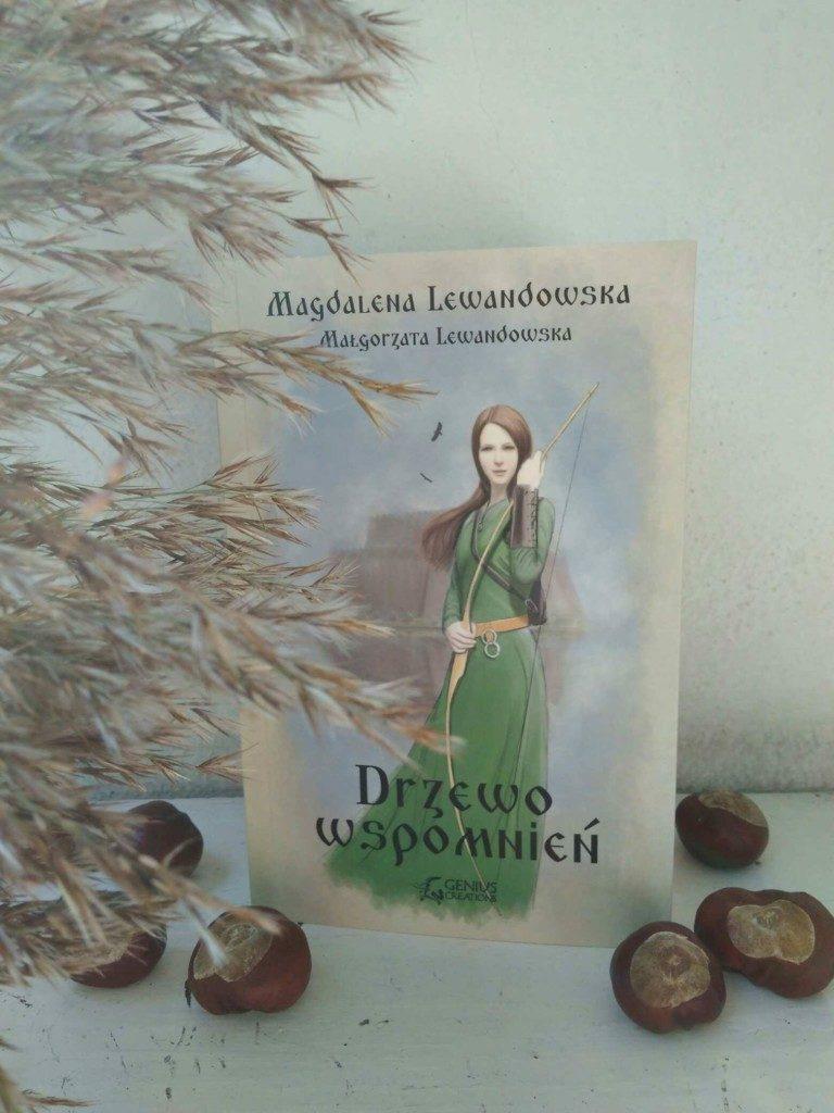 """""""Drzewo wspomnień"""" – sięgając do korzeni [recenzja książki M. Lewandowskiej]"""